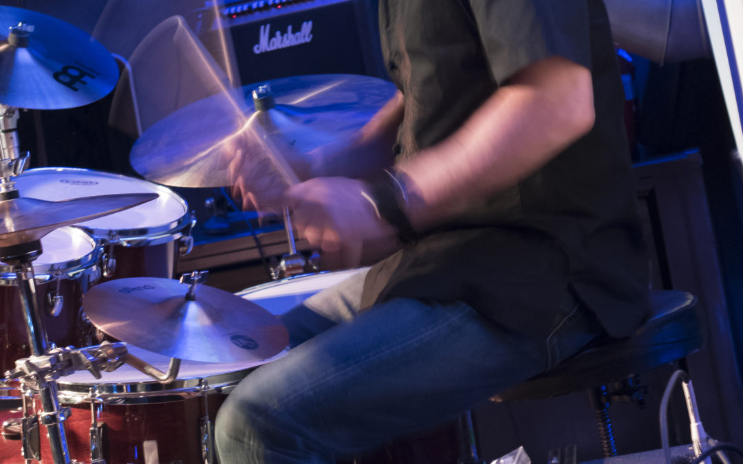 Un buen hobby: tocar  la bateria