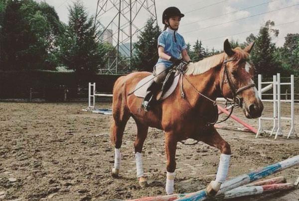 Montar a caballo:  Beneficios de los campamentos hípicos