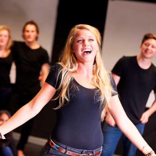 Aprender a cantar y técnica vocal con lecciones online